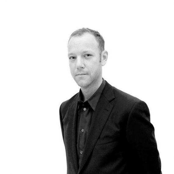 Ian Alteveer, curator ArtBridge